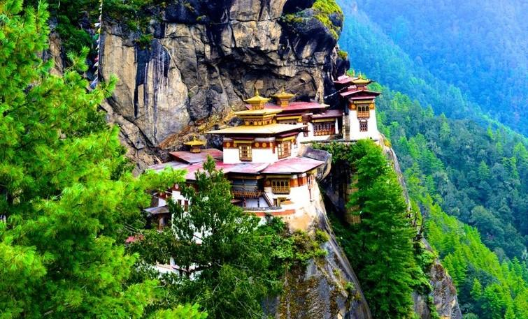 TOP PLACES TO SEE AND THINGS TO DO IN BHUTAN