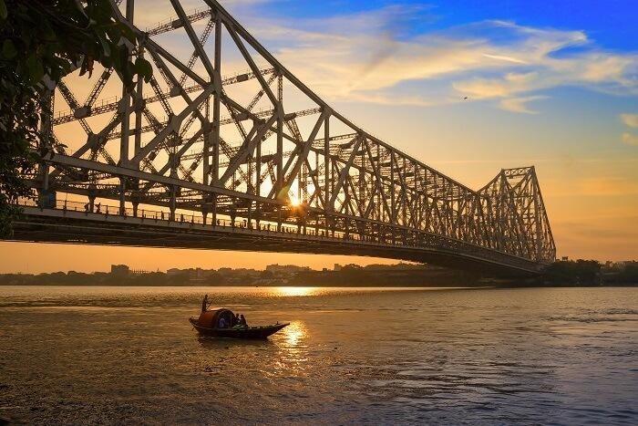 TOP PLACES TO SEE AND THINGS TO DO IN KOLKATA